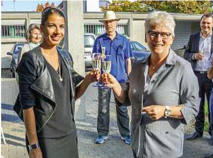 Feierliche Geschäftsübergabe an Olivia Schaffner