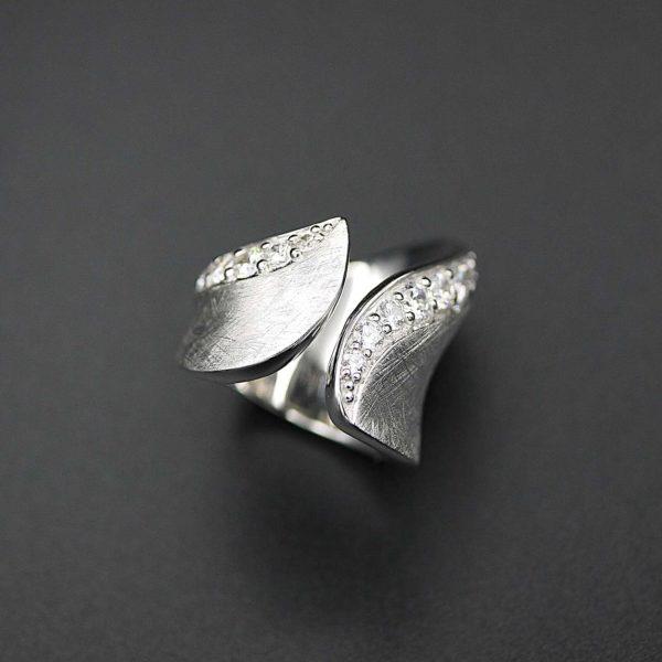 Ring in Silber 925, rhodiniert mit Zirkonia